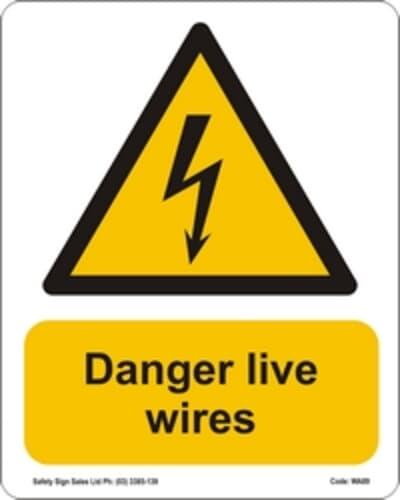Danger Live Wires PVC, 240 x 300mm, DANGER CYO